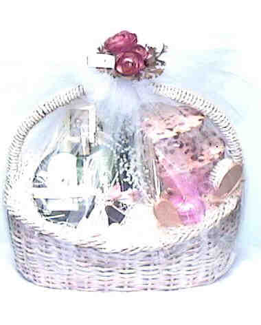 ROYAL GIFT BASKET, EXTRAVAGANT, STUNNING, BREATHTAKING Gift ...